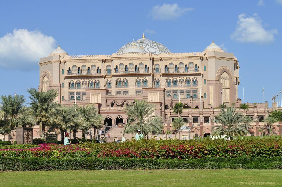 Opplev Abu Dhabis fantastiske konstruksjoner